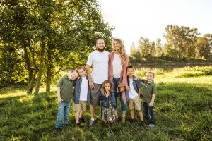 family with lots of kids at pemberton farm weddings in snohomish wa